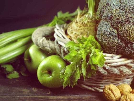Zusammenstellung von grünem Gemüse