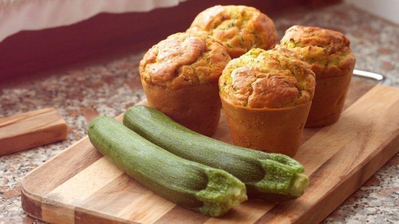 4 Zucchini-Muffins, 2 Zucchini