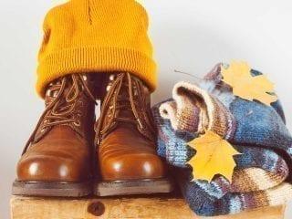 Coverbild Onlinekundenkatalog Medicom. Stiefel, Pulli und Wollmütze