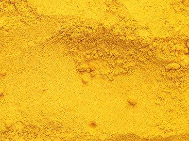 gelb-orangenes Curcumapulver